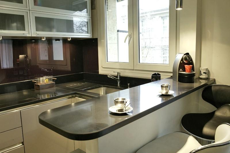 cuisine en quartz noir cuisine id es de d coration de On cuisine quartz noir