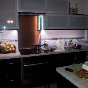 lumi re pour plan de travail cuisine cuisine id es de. Black Bedroom Furniture Sets. Home Design Ideas