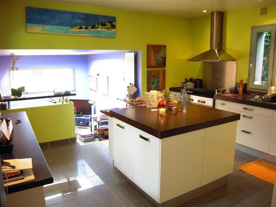 Decoration interieur cuisine peinture cuisine id es de for Decoration interieur peinture cuisine