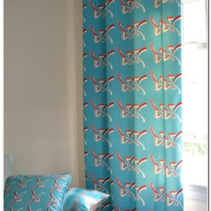 rideaux bleu turquoise et blanc rideau id es de. Black Bedroom Furniture Sets. Home Design Ideas