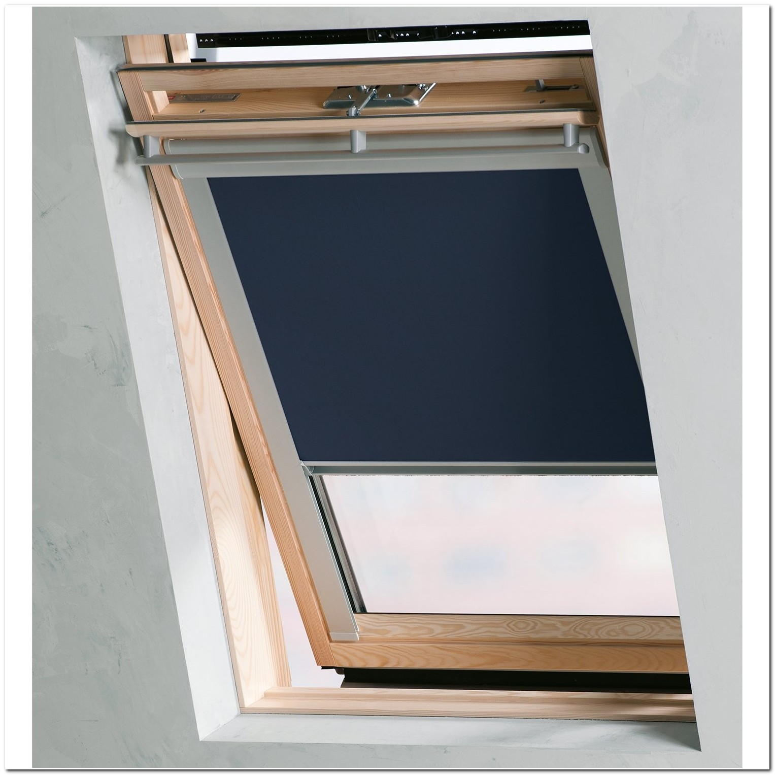 store de velux velux bdx blackout skylight roller blinds for roof windows all sizes child safe. Black Bedroom Furniture Sets. Home Design Ideas